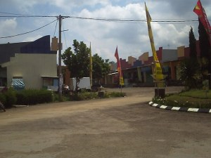 Spesifikasi : Lokasi di Komplek Tamansari Manglayang Regency, Ruko buat usaha, Lt 160, Lb 169, 2 kamar tidur, 2 kamar mandi, 1 gudang, dapur, ruangan usaha, Harga Rp 585.000.000,- negotiable